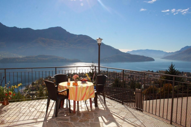 apartments complex at Lake Como book directly and get 10% dicount - Residence Le Azalee